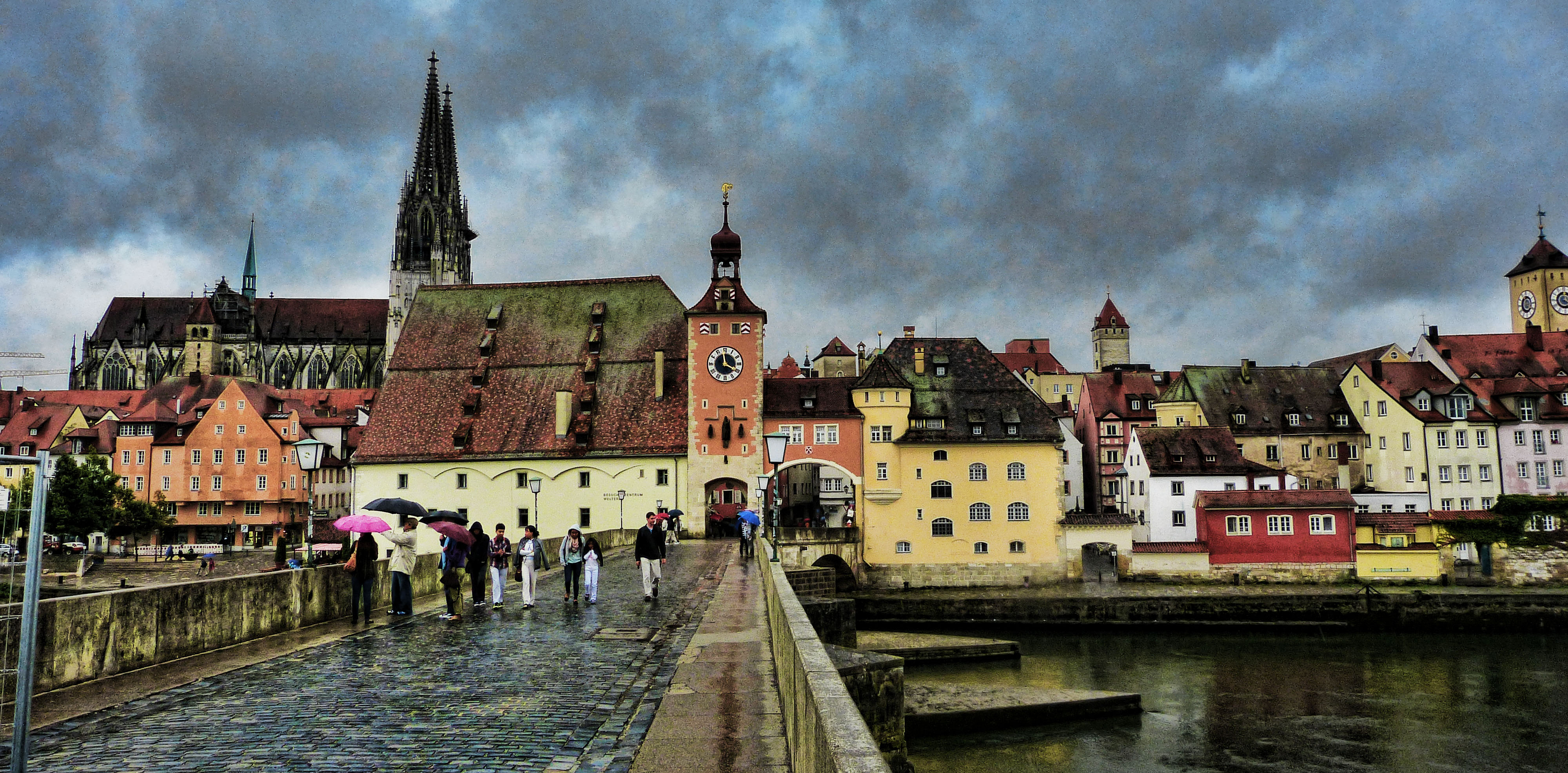 Regensburg, Germany saved EUR 10 million through GPP (cc Flickr/Mariano Mantel)